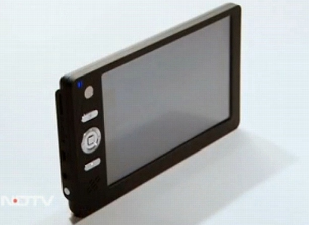 HCL-built $35 Indian tablet coming January 10th - price may vary 35-tablet2-615
