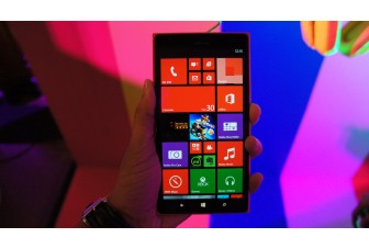 Hands On: First impressions of the Nokia Lumia 1520, the 6-inch Windows Phone.